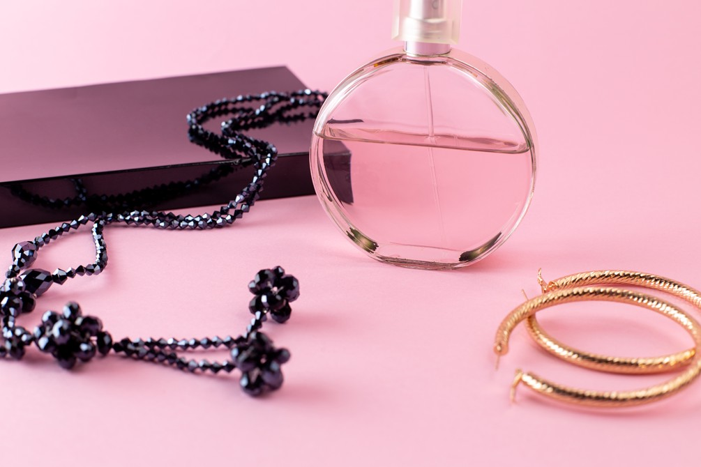Packaging for Jewelry Business: Types, Tips, Ideas, and More